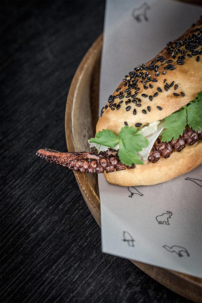 Kitchen, Hot Dog, Bjoern Swanson, Restaurant, octopus